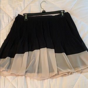 Black & cream Lauren Conrad pleated flare skirt